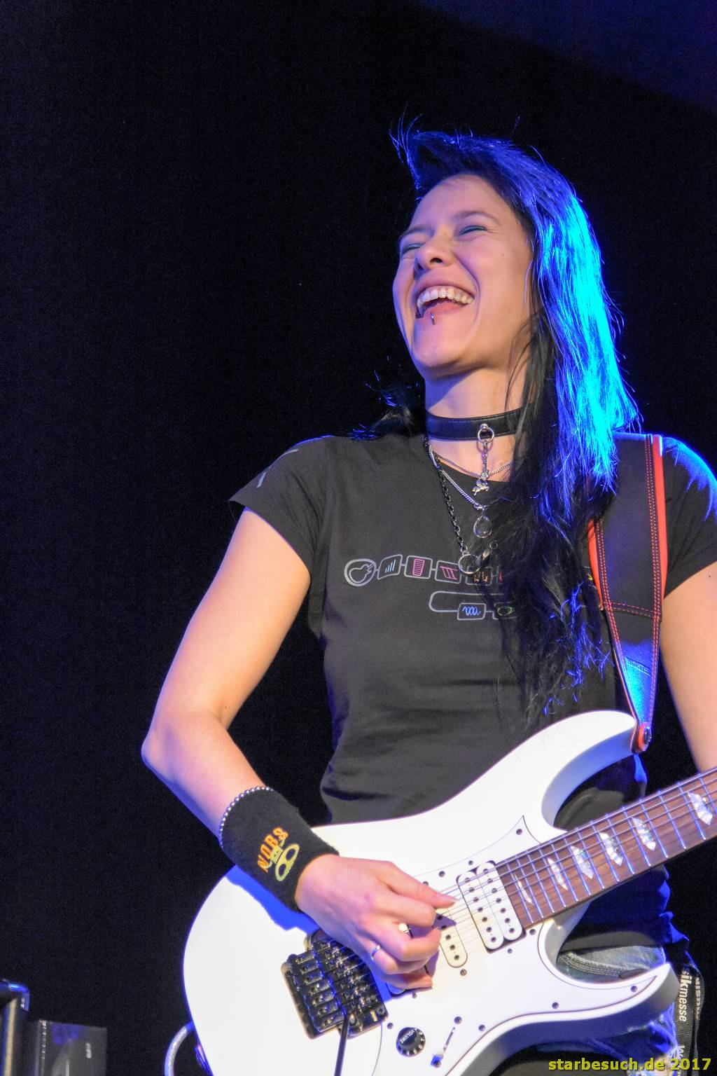 Frankfurt, Germany. 6th April 2017. Jen Majura, guitarist of the band Evanescence, preparing for her gig in the guitar camp at Musikmesse in Frankfurt, Germany