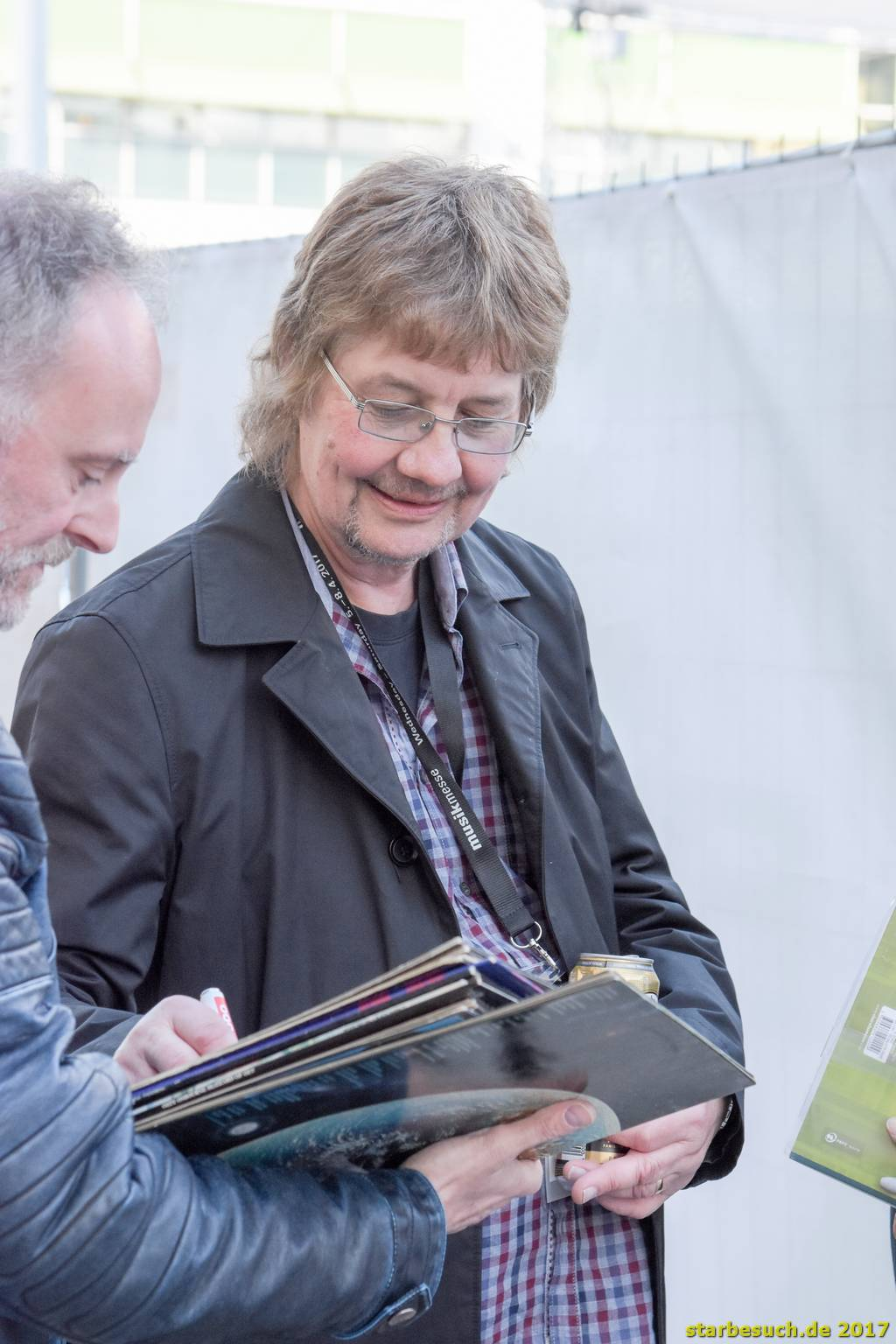 Frankfurt, Germany. 6th April 2017. Don Airey, keyboarder of Deep Purple, signing autographs after his concert at Musikmesse in Frankfurt, Germany