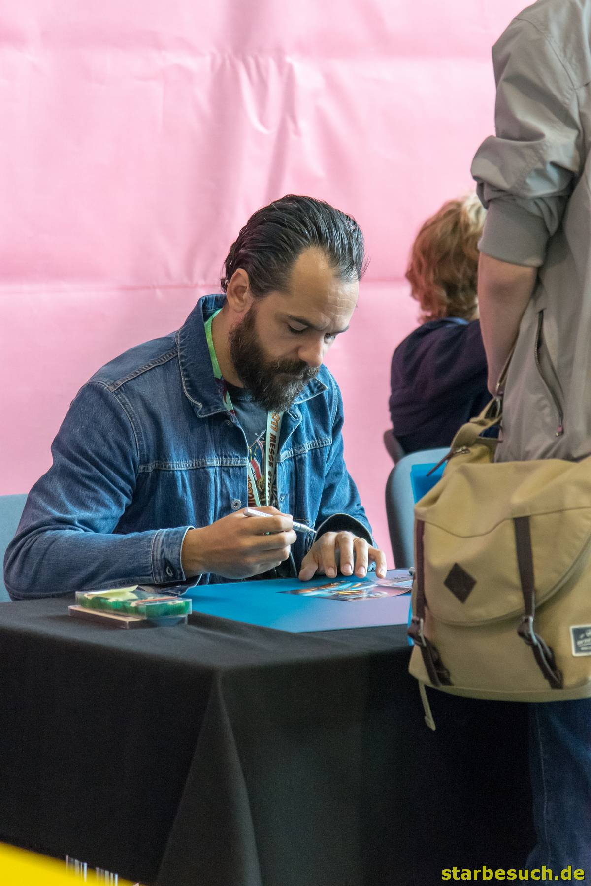 July 1st 2017. Stuttgart, Germany. Casper Crump, DC: Legends of Tomorrow actor, signing autographs at Comic Con Stuttgart.