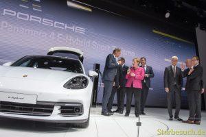Angela Merkel bei Porsche