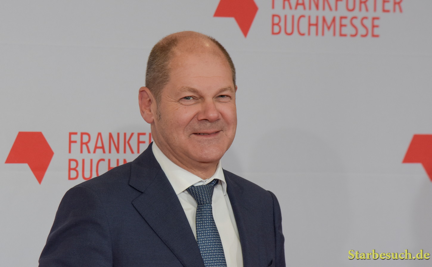 Olaf Scholz arriving on the red carpet for the Frankfurt Bookfair / Buchmesse Frankfurt 2017