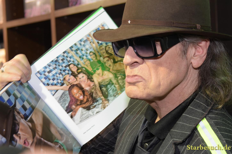 Udo Lindenberg/Tine Acke present 'Stärker als die Zeit' picture book at Frankfurt Bookfair / Buchmesse Frankfurt 2017