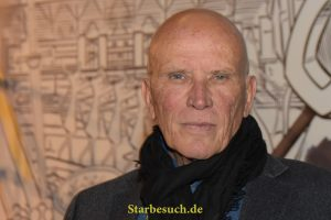 Dortmund, Germany - December 9th 2017: US Actor Peter Weller (* 1947, RoboCop 1&2, Star Trek: Enterprise, 24, Dexter, Sons of Anarchy, Star Trek: Into Darkness) at German Comic Con Dortmund.