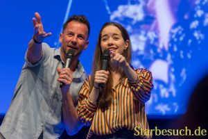 Actors Craig Parker, Anna Popplewell at MagicCon 2018