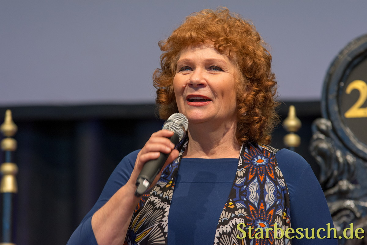 Actress Beverly Elliott (Once Upon A Time, Harpers Island, Hope Island , Kindom Hospital), panel, at MagicCon 2018