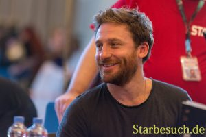 Actor Dean O'Gorman at MagicCon 2018