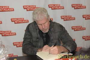MANNHEIM, GERMANY - MARCH 18: Actor Ron Perlman signing his book Easy Street at Walker Stalker Germany convention. (Photo by Markus Wissmann)