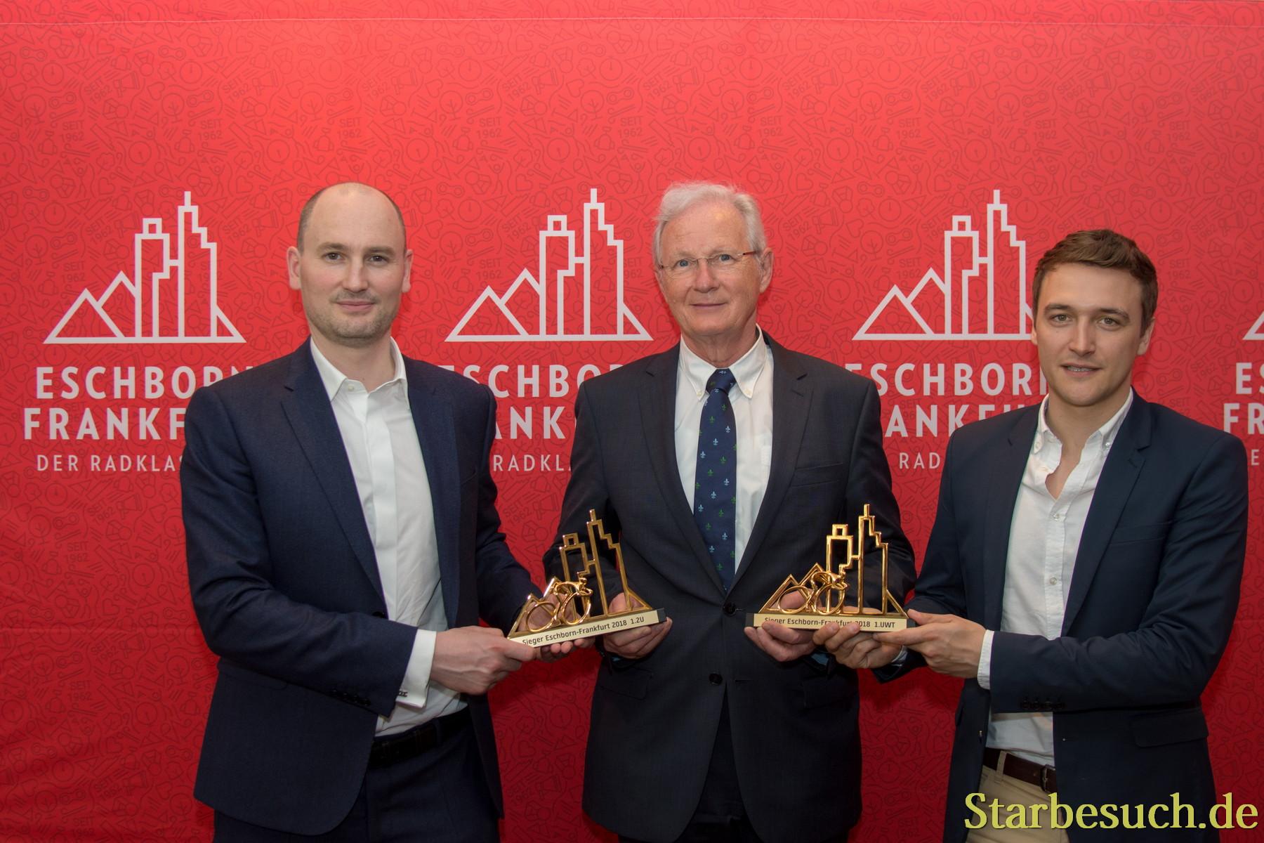(L-R) Jean-Étienne Amaury, Matthias Geiger (Bürgermeister von Eschborn), Claude Rach