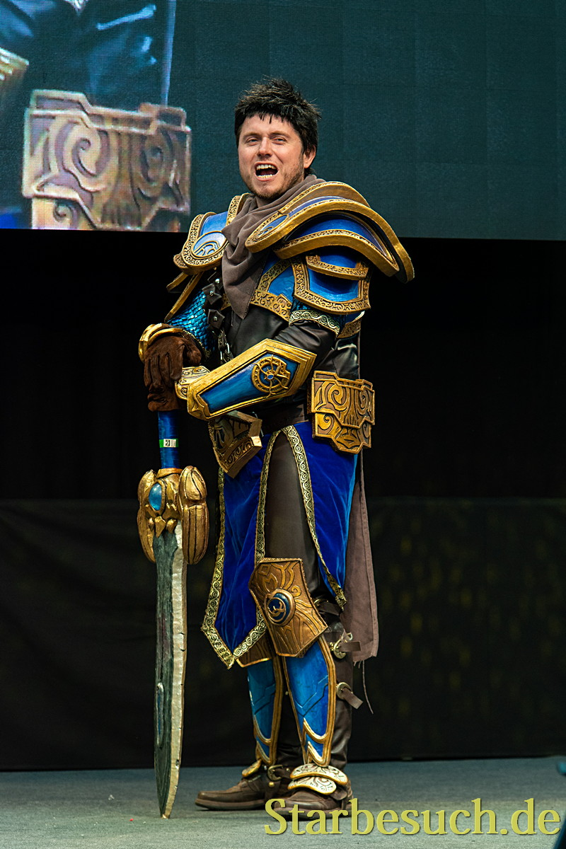 Cosplay - Garen from League of Legends by Karash Cosplay