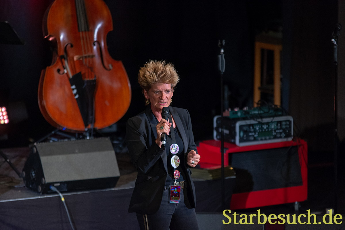 Maria Hesterberg moderated the 17th European Elvis Festival