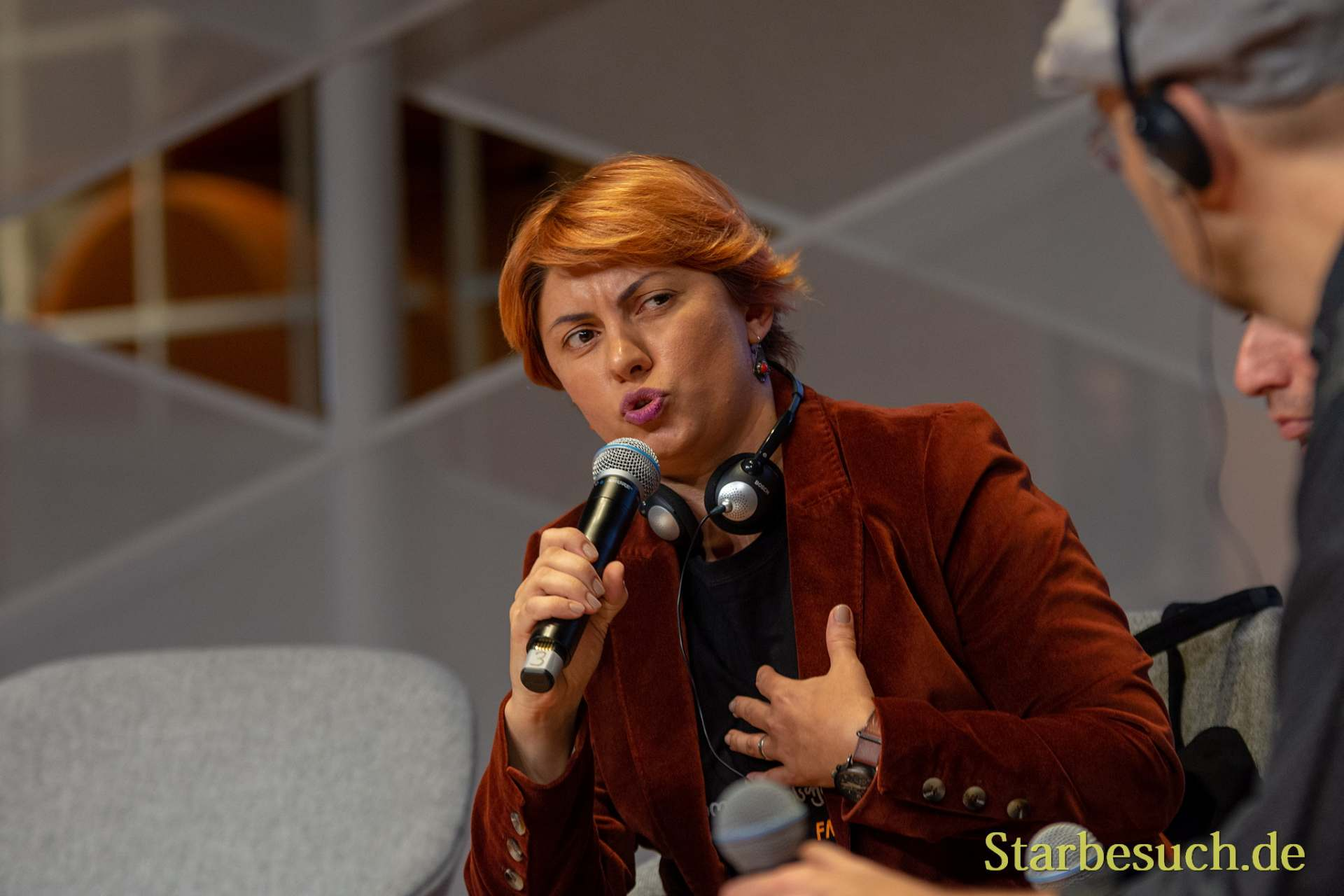 Eka Kevanishvili, Autorin