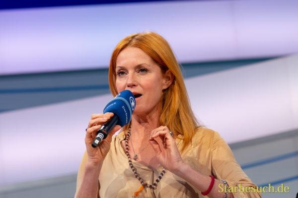 Esther Schweins, Schauspielerin