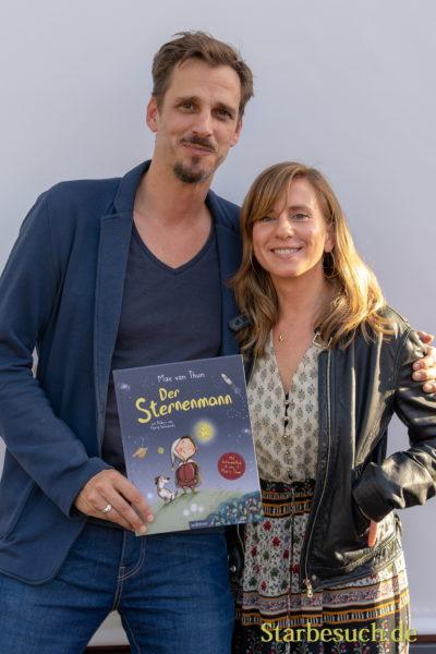 Schauspieler Max von Thun and Illustratorin Marta Balmaseda