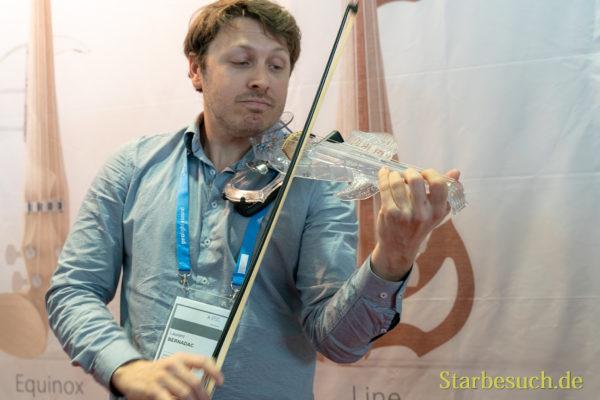 Musikmesse 2019 - Jazzviolinist Laurent Bernadac mit seiner 3Dvarius