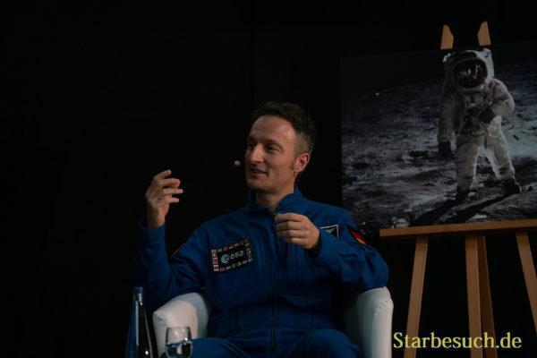 Gesprächsrunde mit Charlie Duke, Gerhard Daum, Matthias Maurer