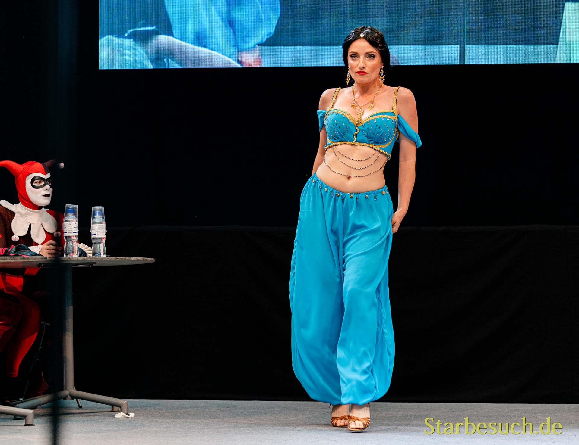 Cosplay Contest #11: Christina as Jasmin from Aladin