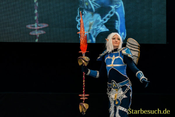 Cosplay Contest #25: Eldrith as Blutelf Priester from World of Warcraft