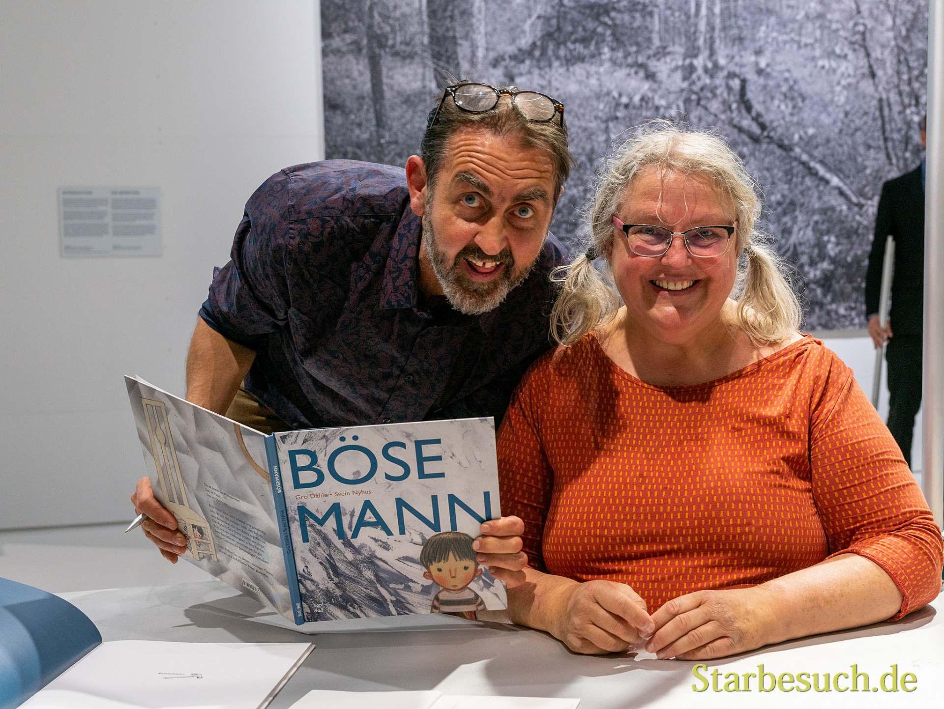 Svein Nyhus und Gro Dahle präsentieren 'Böser Mann'