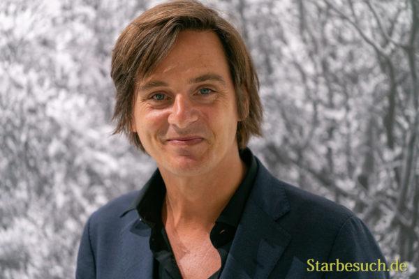 Simon Stranger, norwegischer Autor