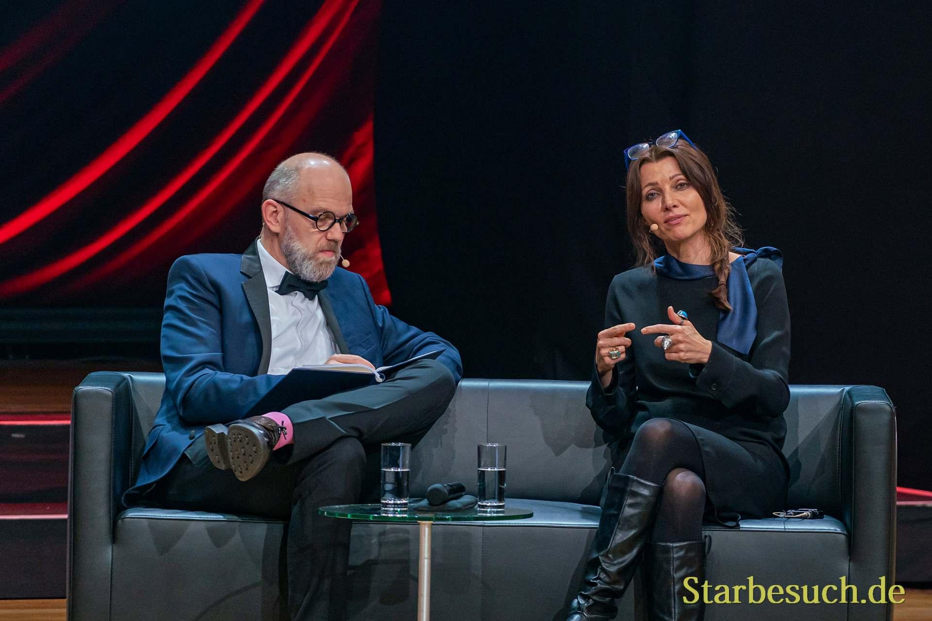 Literaturgala 2019: Elif Shafak mit Thomas Böhm