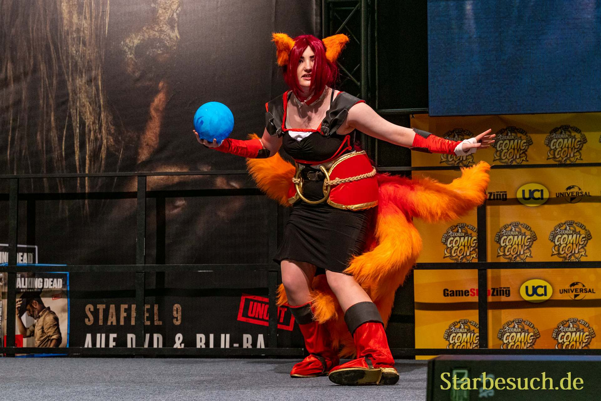 Cosplay - TschijaCos als Champion Ahri von League of Legends